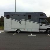 Camion Iveco 2 caballos +vivienda/guadarnes