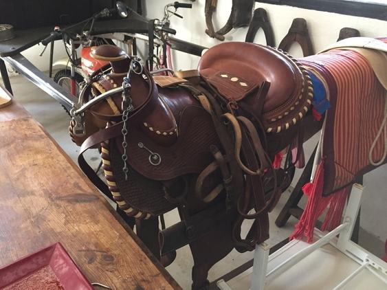 montura western nueva