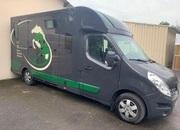 Camión para caballos VL RENAULT MASTER.