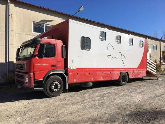 Camion volvo 8 caballos con vivienda